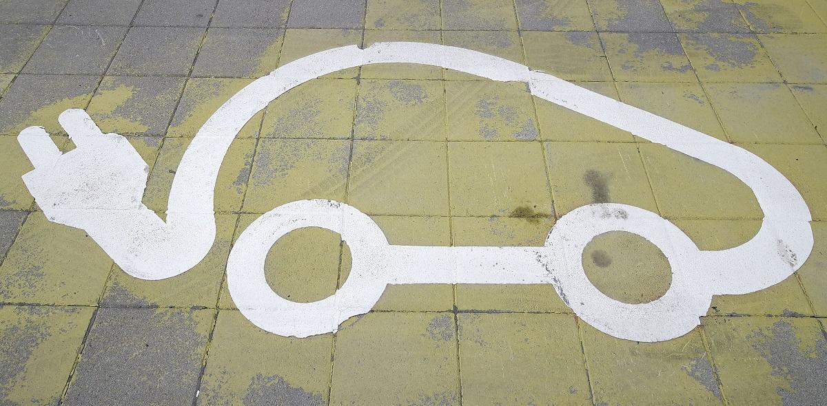 Sähköauton latauspaikka